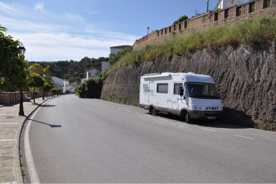 Parking in Setenil